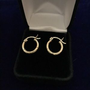 10 kt stamped diamond cut hoops small